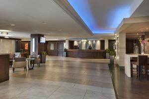 hotel_halifax_lobby